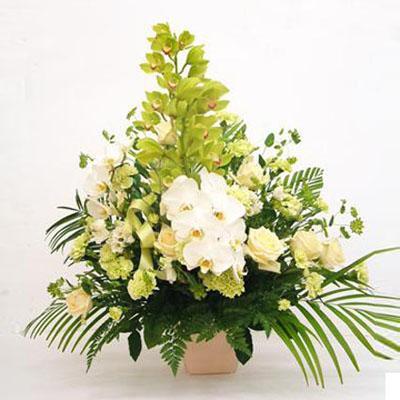 豪華な洋花すっきりカラーのフラワーアレンジメント 送料無料!