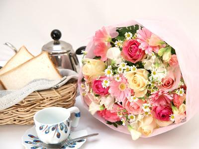 春めいたパステルピンクの花束 送料無料!