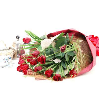 赤バラのみの花束 送料無料!